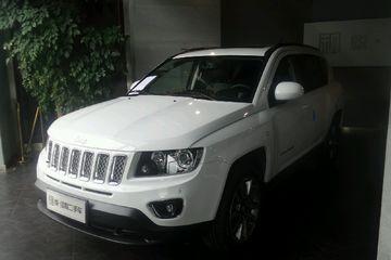 Jeep 指南者 2014款 2.0 自动 豪华版前驱