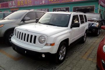 Jeep 自由客 2011款 2.4 自动 经典版四驱