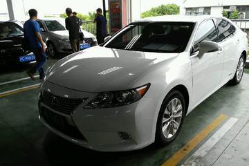 雷克萨斯 ES 2013款 2.5 自动 300h豪华版 油电混合
