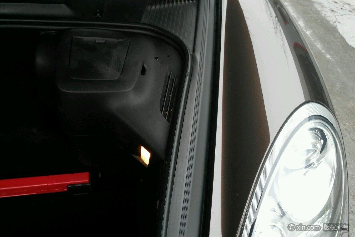 保时捷Boxster右侧翼子板