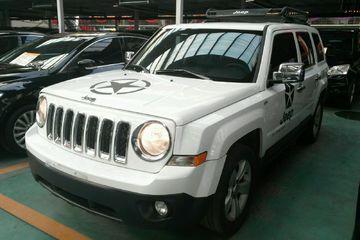 Jeep 自由客 2013款 2.4 自动 炫黑运动版四驱