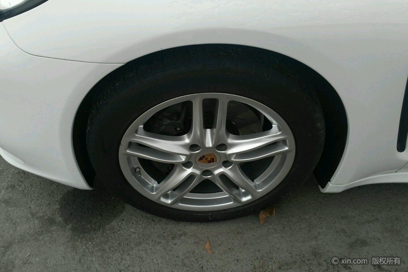 保时捷Panamera左前轮胎