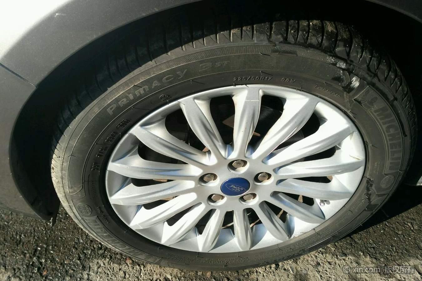 福特蒙迪欧左前轮胎