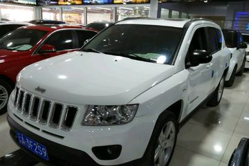 Jeep 指南者 2013款 2.4 自动 豪华版四驱