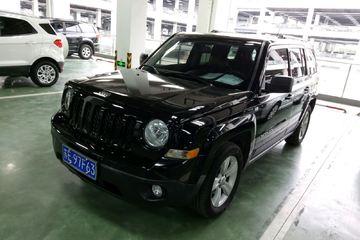 Jeep 自由客 2014款 2.4 自动 豪华导航版四驱
