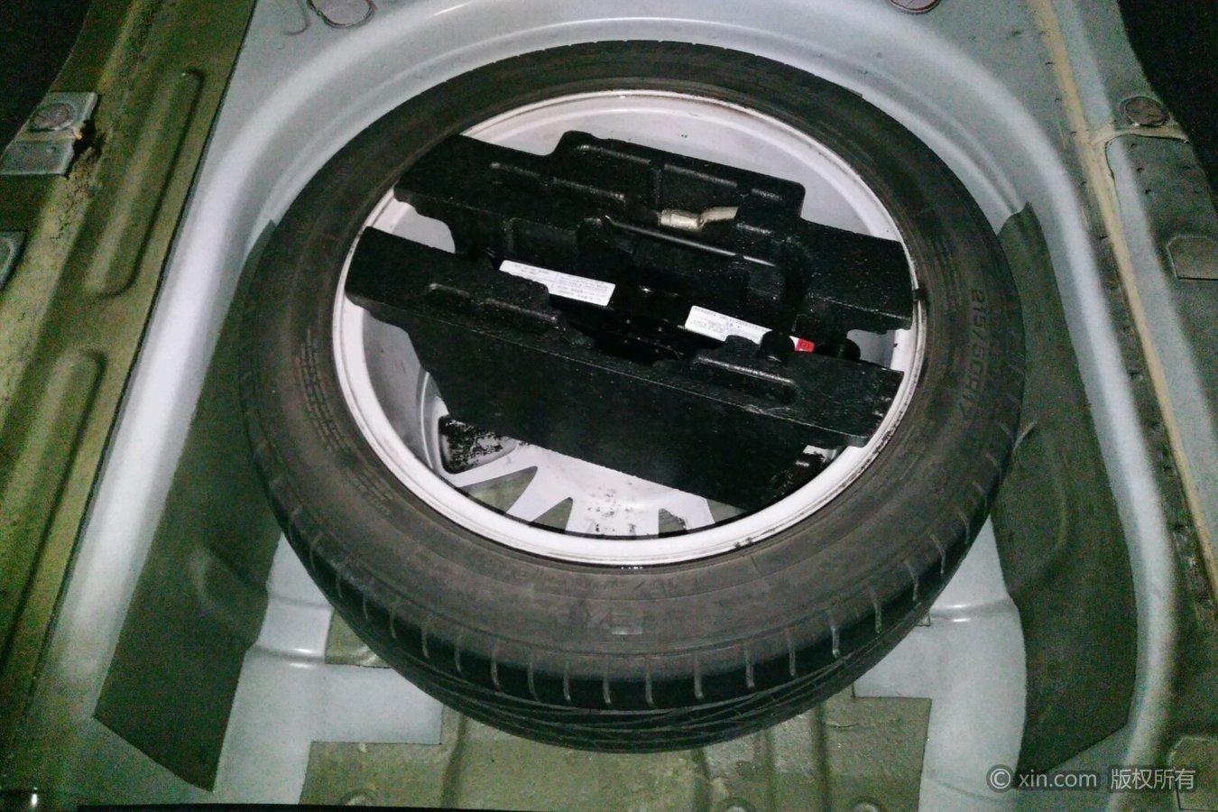 荣威750备胎及v车友车友奔腾x80工具群西安图片