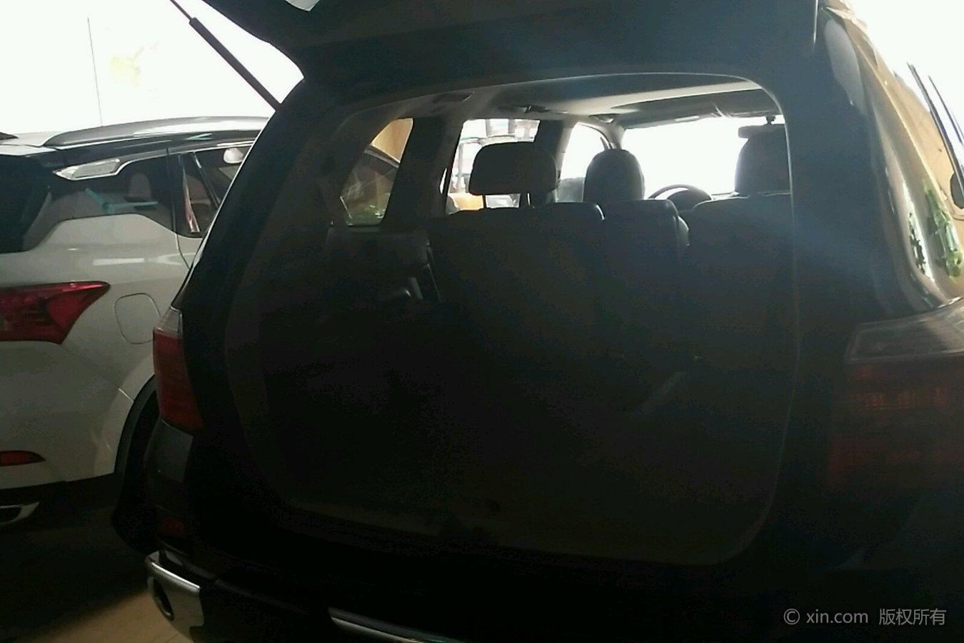 丰田汉兰达后备箱