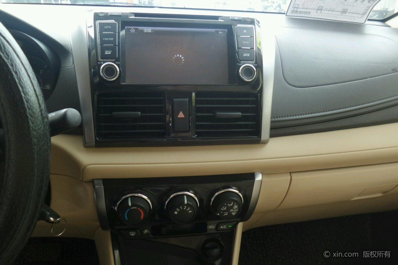 丰田威驰空调调节区