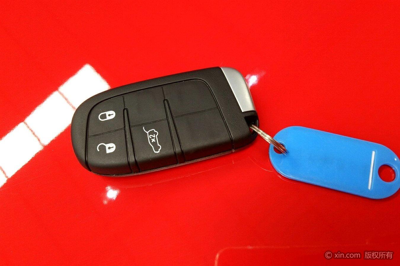 jeep自由侠钥匙