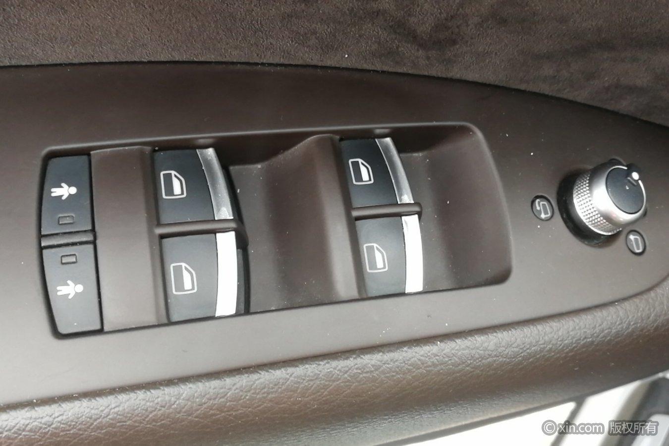 奥迪q7(进口)左前车门控制键