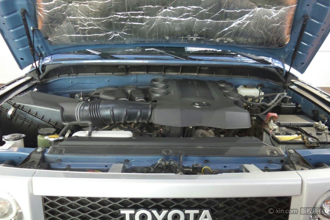 丰田FJ酷路泽发动机