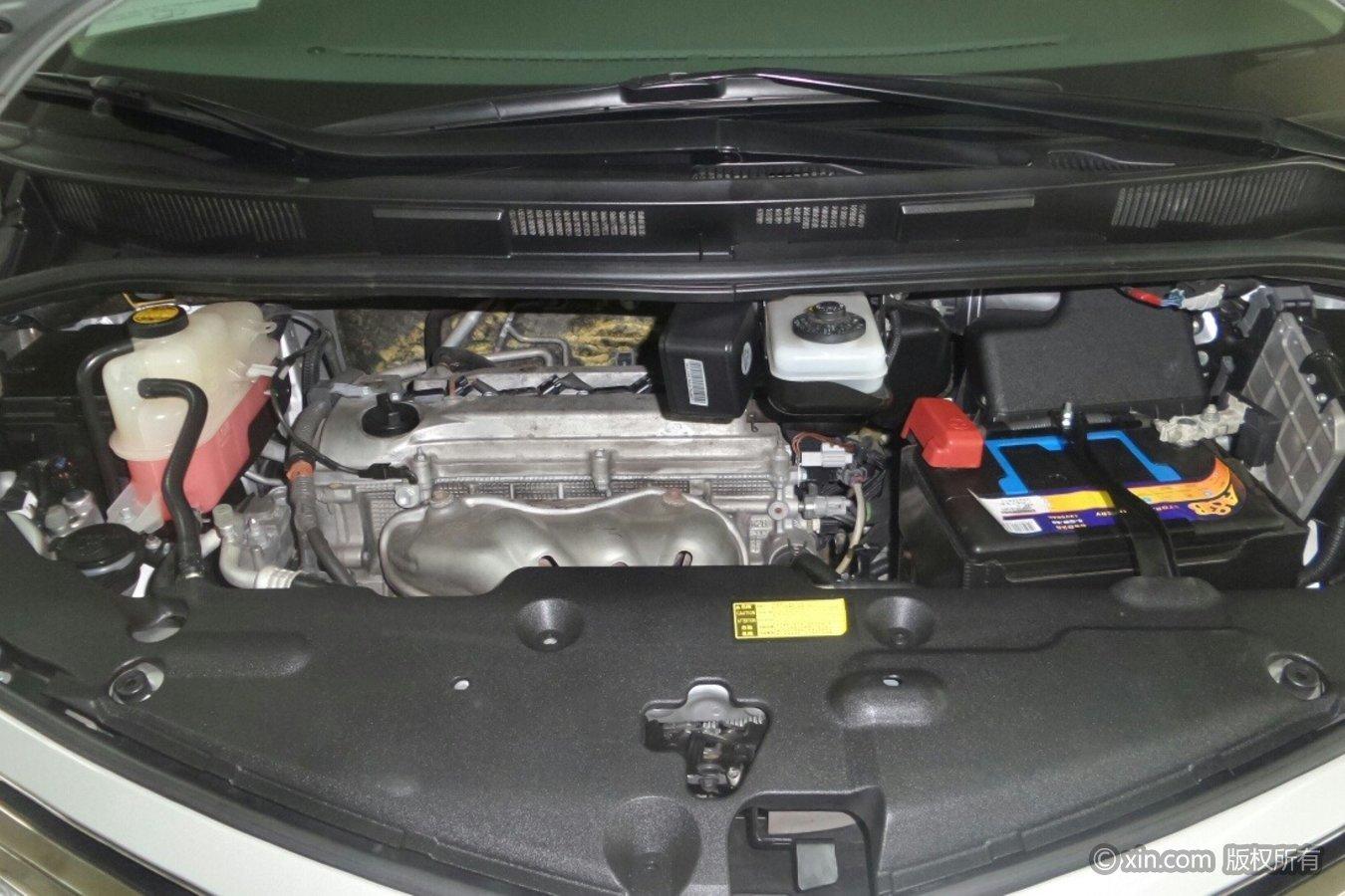 丰田普瑞维亚发动机