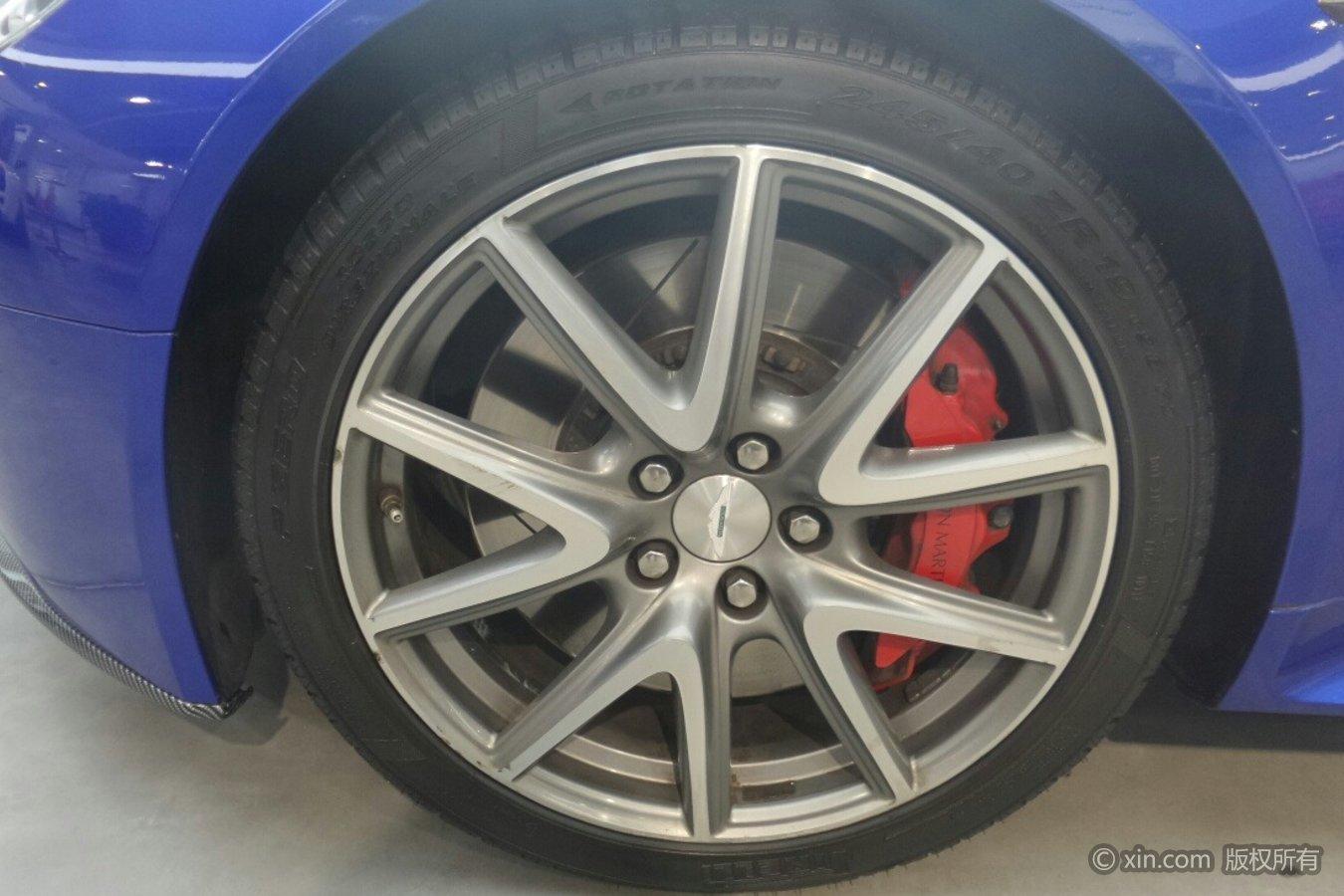 阿斯顿·马丁V8轮毂