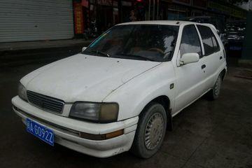 天津一汽 夏利 2001款 1.0 手动 三缸三厢